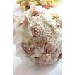 Ruban de mariage de thème Main de ruban créatif tenant fleur