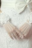 Gants de mariage blanc Mince Fleurs Court Doigt entier Epurée