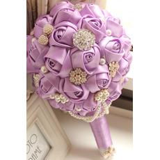 Mariage de haute qualité sur le thème personnalisé violet avec des fleurs