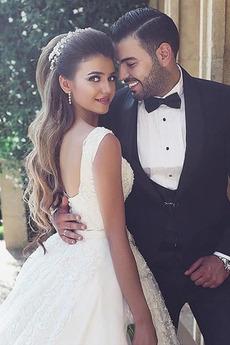 Robe de mariée Larges Bretelles Automne Sablier Plage Fourreau Avec Bijoux