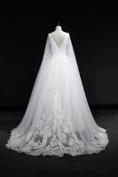 Robe de mariée a ligne Perler Sans Manches Cérémonial Traîne chapelle