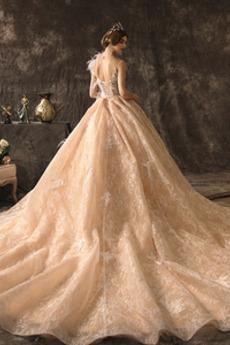 Robe de mariage Naturel taille Couvert de Dentelle Pomme aligne