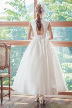 Robe de mariée Col en V Laçage Norme Satin Longueur Mollet Sans Manches
