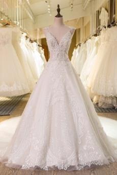Robe de mariée Eglise A-ligne Traîne Royal Col en V Satin Luxueux