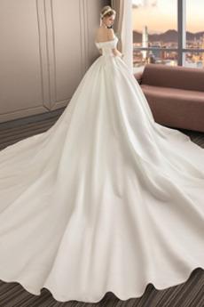 Robe de mariée Manche Courte A-ligne Simple Fourreau pli Traîne Royal