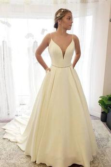 Robe de mariée Traîne Courte Formelle Sablier Satin De plein air