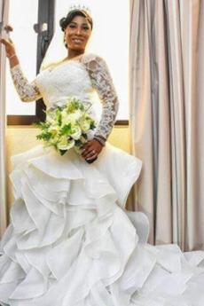 Robe de mariée Sirène Manche Longue Dentelle Cathédrale Printemps