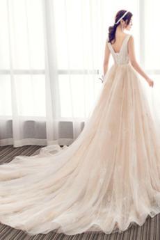 Robe de mariée Eglise Naturel taille Luxueux Col en V Foncé Laçage