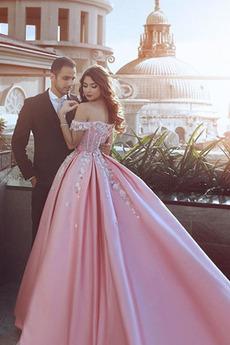 Robe de bal Vintage Médium Rosée épaule Décalcomanie Traîne Courte