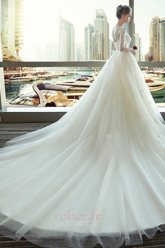 Robe de mariage Manquant A-ligne Eglise Manche de T-shirt Décalcomanie - Page 3