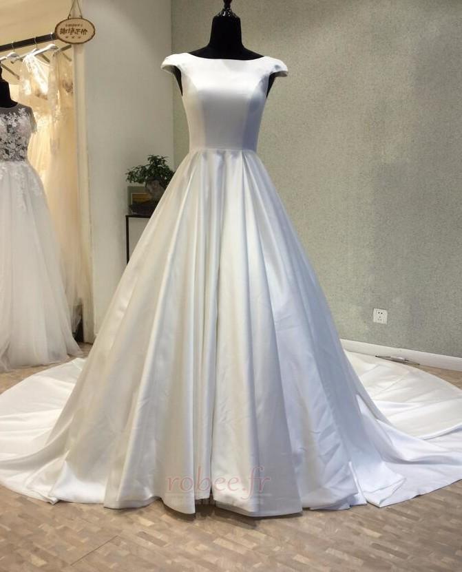Robe de mariée Manche Courte Satin Trou De Serrure Col Bateau 1