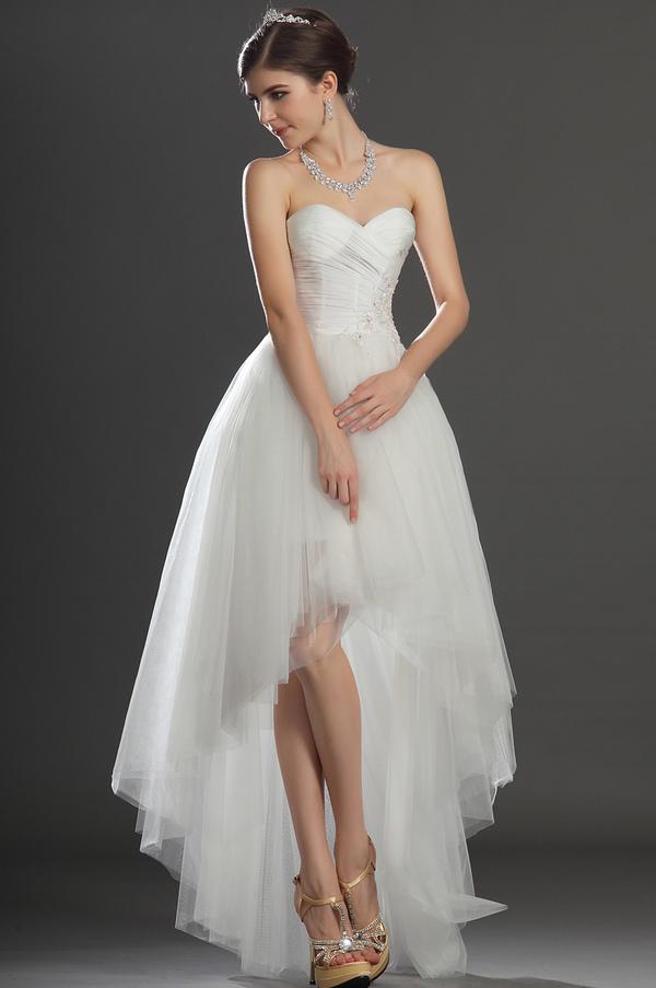Robe de mariee asymetrique en haut