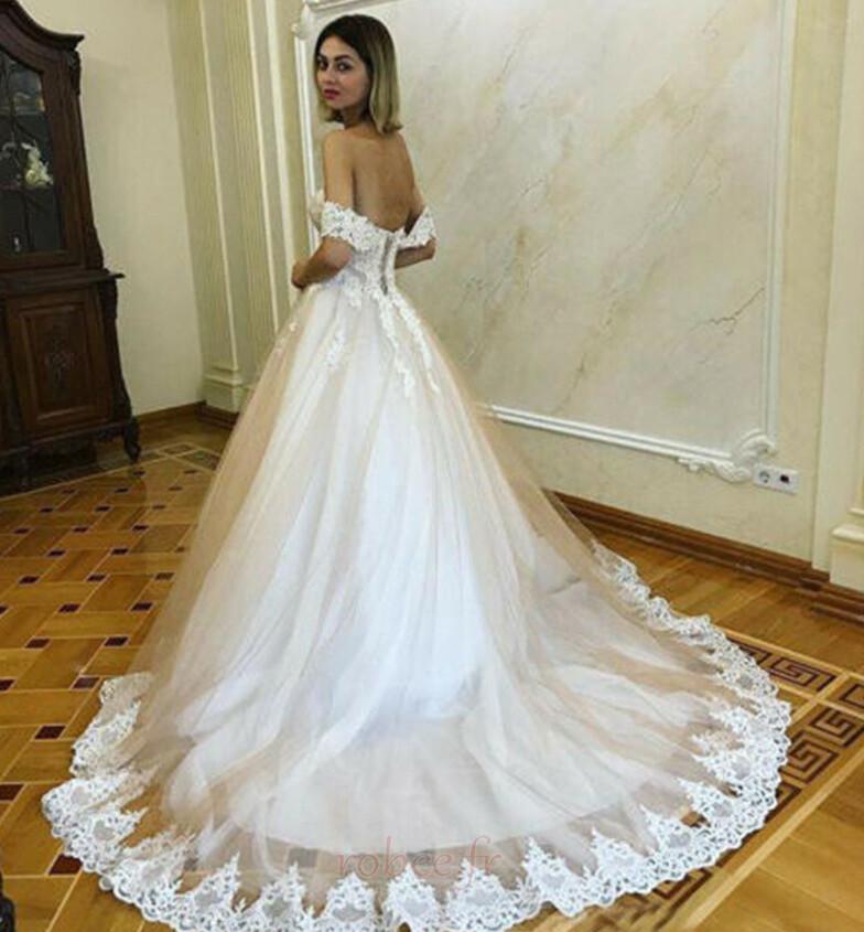Robe de mariée Romantique Dentelle Mancheron Rosée épaule Automne 2