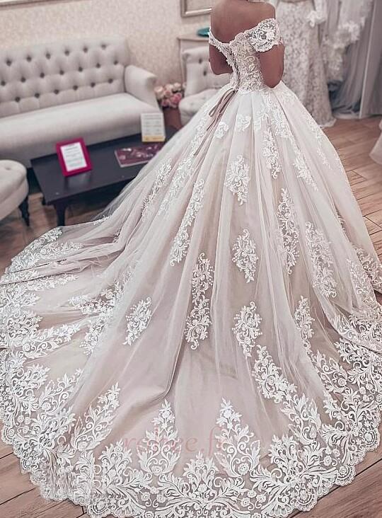 Robe de mariée Manche Courte Couvert de Dentelle Naturel taille 2