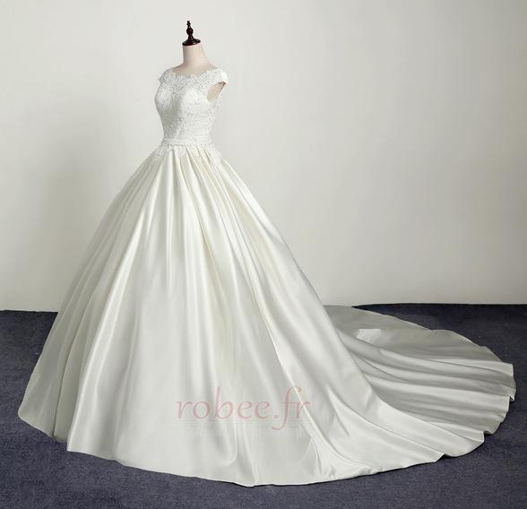 Robe de mariée Princesse Eglise Traîne Longue Manche Courte Satin 4
