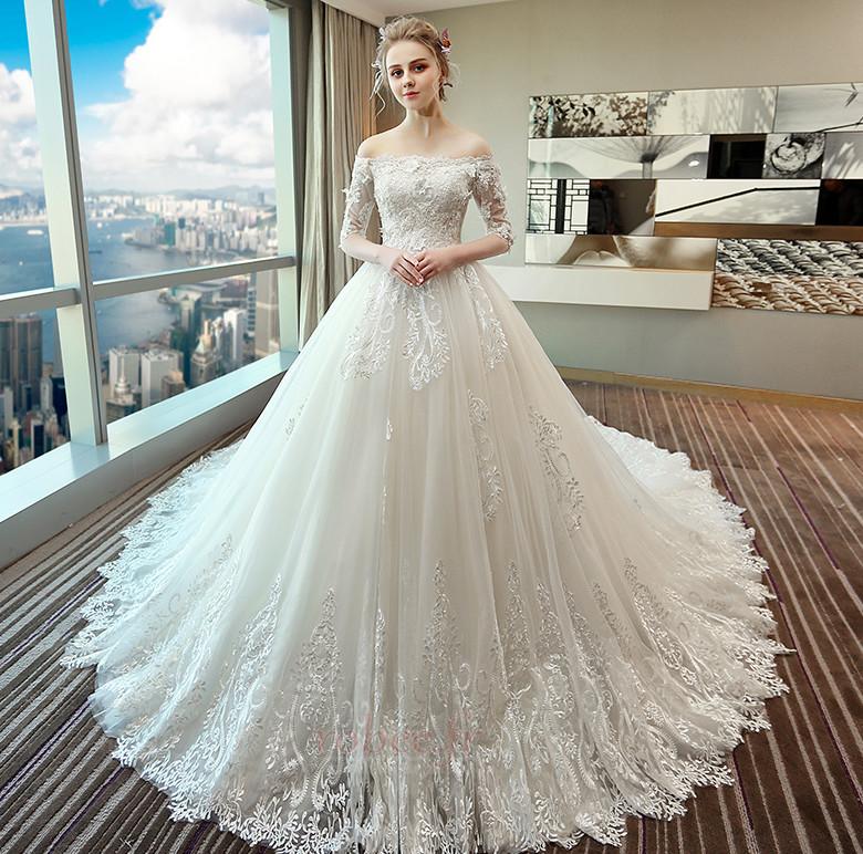 55727ea9c5 Vous trouverez dans cette galerie des grandes marques de robes de mariée  comme Robee, qui peuvent facilement s'adapter à une femme enceinte.