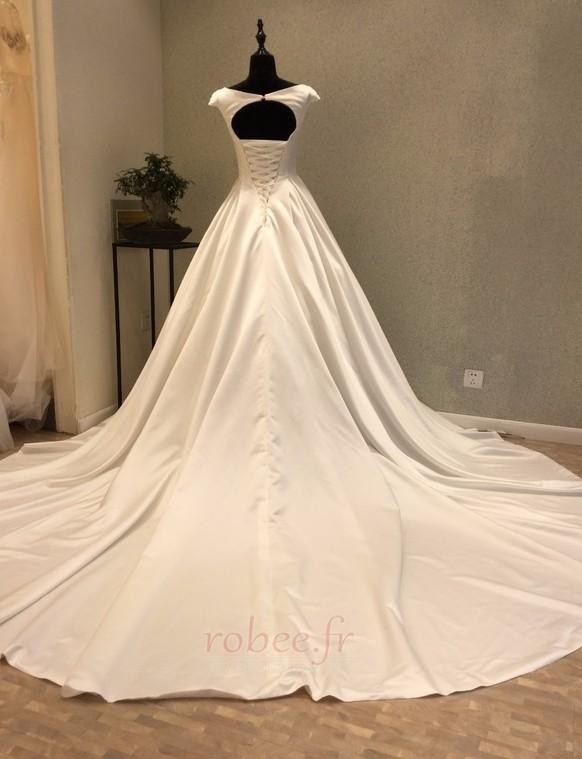 Robe de mariée Manche Courte Satin Trou De Serrure Col Bateau 3